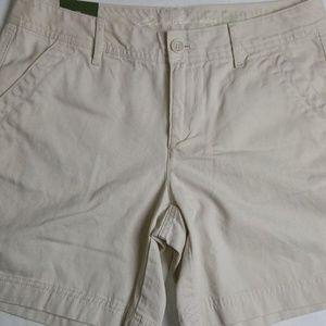 NWT Eddie Bauer Size 4  Khaki Flap Pocket Shorts